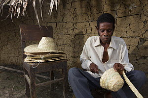 M'boumontour NGO supports different kind of conservation project within the community with the aim of protecting local Bonobo populations (Pan paniscus).  Here a craftsman is practising his trade read...  -  Cyril Ruoso