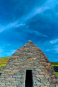 Gallarus Oratory, Dingle Village, Dingle Peninsula, County Kerry, Ireland, Europe. September 2015.  -  Juan  Carlos Munoz