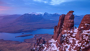 Sandstone pinnacles and view of lochs below, Stac Pollaidh Inverpolly, Highlands of Scotland, UK,  February. - SCOTLAND: The Big Picture