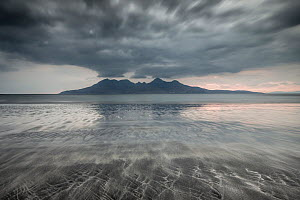 Bay of Laig, Isle of Eigg towards Isle of Rum, Inner Hebrides, Scotland, UK, April 2014.  -  SCOTLAND: The Big Picture