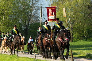 The Blutritt (the right of blood) is the largest European procession with about 3,000 riders, Weingarten, Baden-Wurtemberg, Germany. May. - Kristel  Richard