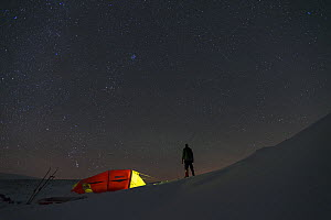 Camping in winter in the Dovrefjell-Sunndalsfjella National Park. Sor-Trondelag, Norway January - Erlend Haarberg