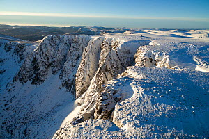 Mountain top encrusted in snow, west buttress of Lochnagar, Deeside, Cairngorms National Park, Scotland, UK, March 2017.  -  SCOTLAND: The Big Picture