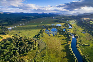 River Spey running through Insh Marshes with oxbow lakes, Cairngorms National Park, Scotland, UK, August 2016.  -  SCOTLAND: The Big Picture