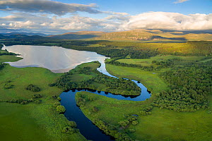 River Spey meandering into Loch Insh with Sgor Gaoith in background, Cairngorms National Park, Scotland, UK, July 2016. - SCOTLAND: The Big Picture