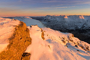 Snow covered mountains of Stob nan Cabar and Buachaille Etive Beag, looking south east from Am Bodach, Glen Coe, Lochaber, Scotland, UK, November  2016 - SCOTLAND: The Big Picture