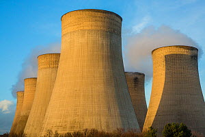 Cooling tower,   Ratcliffe-on-Soar Power Station, Nottingham UK, February. - Phil Savoie