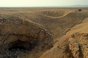 Sinkhole 'Gypsum cave' full of gypsum crystals, Kugitang plain, Turkmenistan 1990  -  Willem  Kolvoort