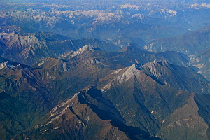Aerial view over the Tien-Shan mountains, China, October 2016.  -  Staffan Widstrand / Wild Wonders of China