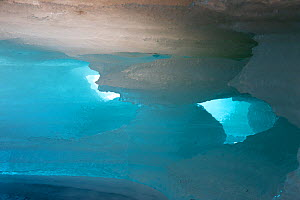 Meltwater channel through icefield in the Temnik River, Baikal Nature Reserve, Buryatia, Siberia, Russia, May 2015. - Michel  Roggo