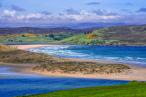 Torrisdale Bay and sandy beach at the mouth of the River Naver near Bettyhill and Invernaver, Caithness, Scottish Highlands, Scotland, UK, May  -  Philippe Clement