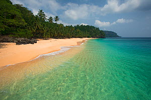 Beach at the north of Principe Island, Democratic Republic of Sao Tome and Principe, Gulf of Guinea. - Luis  Quinta