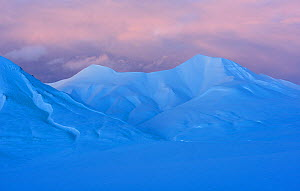 Landscape of Adventdalen, Svalbard, Norway, March 2014.  -  Werner Bollmann