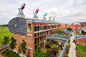 Bedzed the UK's largest eco carbon neutral housing complex in Beddington, London, UK, May 2007. - Ashley Cooper