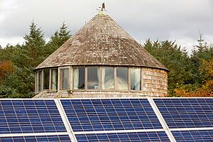 Green house powered by wind and solar power n remote off grid community. Scoraig, Scotland, October 2013. - Ashley Cooper