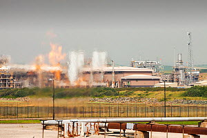 Flaring off gas at a gas processing plant at Rampside near Barrow, Furness, Cumbria, England UK, that processes gas from the Morecambe Bay gas field, it is one of the largest gas plant in Europe - Ashley Cooper