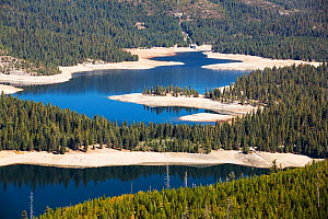 Ice house lake in drought conditions in the El Dorado National Forest, California, USA. October 2014.  -  Ashley Cooper