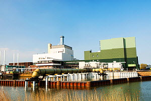Nuon combined heat and power plant on the outskirts of Amsterdam, Netherlands is operated by Nuon energy. It is a combined cycle gas turbine that produces 435 Megawatts of power and also 260 megawatts...  -  Ashley Cooper