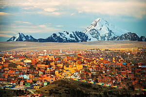 Peak of Huayna Potosi from El Alto above, La Paz, Bolivia. La Paz  and El Alto are critically short of water due to climate change causing  glaciers to melt. The glaciers provide water to the town. Oc... - Ashley Cooper