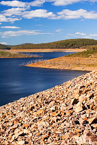 Lake Eucumbene in the Snowy Mountains showing low water levels, during drought which lasted from 1996-2011 Lake Eucumbene, New South Wales, Australia, February 2010. - Ashley Cooper