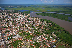 Aerial view of Corumba, at end of the dry season, with the Rio Paraguay or Paraguay river, Brazil. November 2017. Photographed for The Freshwater Project  -  Michel  Roggo