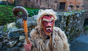 Man in costume at 'La Vijanera' Carnival in Silio. Molledo Municipality,  Cantabria, Spain. January.  -  Juan  Carlos Munoz