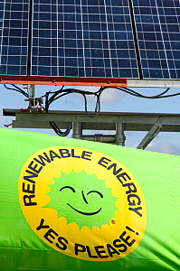 Truck with solar panels attached at a protest against fracking at a farm site at Little Plumpton near Blackpool, Lancashire, UK, August 2014  -  Ashley Cooper