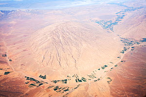 Aerial view showing desert landscape and irrigated fields, Iran, March 2009.  -  Ashley Cooper