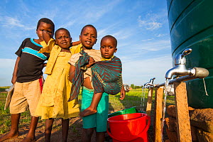 Children displaced by flooding at Chiteskesa refugee camp, near Mulanje, Malawi. March 2015. - Ashley Cooper