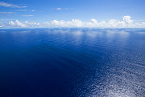 Calm conditions  on the Indian Ocean near  Mauritius  -  Stephane Granzotto