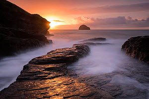 Trebarwith Strand at sunset and high water, Trebarwith, north Cornwall, UK. October 2017.  -  Ross Hoddinott