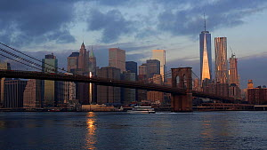 One World Trade Center and Downtown Manhattan at dusk from across the Hudson River, New York, Manhattan, United States of AmericaJune 2016. (This image may be licensed either as rights managed or roya... - Gavin Hellier