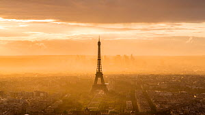 Timelapse of the sun rising over Paris and the Eiffel Tower, France, May 2016. (This image may be licensed either as rights managed or royalty free.) - Gavin Hellier