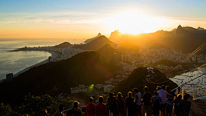 Timelapse of tourists watching the sunset from Pao de Acucar or Sugarloaf mountain, Rio de Janeiro, Brazil - 4K time lapseSeptember 2016. Hellier  -  Gavin Hellier