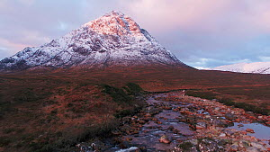 Tracking shot up the River Coupall towards Buachaille Etive Mor at sunset, Scotland, UK, October 2017. Hellier  -  Gavin Hellier