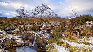 Timelapse of clouds moving over Buachaille Etive Mor and Rannoch Moor, Scotland, UK, October 2017. Hellier  -  Gavin Hellier
