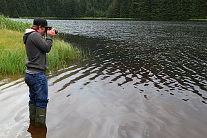 Photographer Oliver Hellowell taking pictures at Loch Dunmore, Perthshire, Scotland, UK. August 2014  -  Oliver Hellowell
