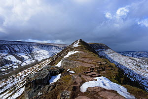 Snow on Black Hill / Cat's Back and the Black Mountains with exposed Old Red Sandstone from the Senni Formation, Devonian Period. Golden Valley, Herefordshire, England, UK. March, 2018.  -  Will Watson