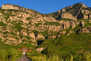 Entrance gate to the Beiyue Hengshan Mountain National Park, Datong, Hunyuan County, Shanxi Province, China  -  Staffan Widstrand / Wild Wonders of China