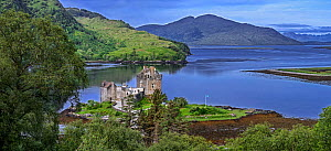Eilean Donan Castle in Loch Duich, Ross and Cromarty, Scottish Highlands, Scotland, UK, June 2017  -  Philippe Clement