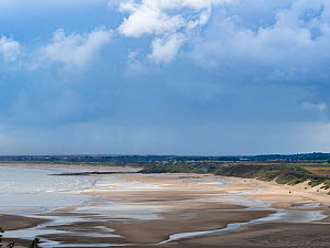 View of the beach at Alnmouth, Northumberland, England, UK. September 2017 - Gary  K. Smith