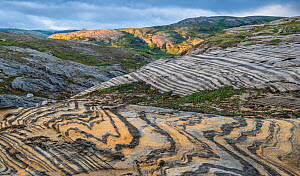 Marble formations in alpine landscape. Lahko National Park, Fjell, Norway, July. - Erlend Haarberg