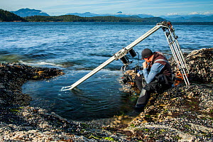 Specialist motion control rig to film underwater timelapse in a rockpool for BBC Blue Planet II, Vancouver island, British Columbia, Canada. July. - Paul Williams