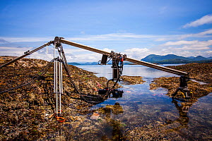 Specialist motion control rig to film underwater timelapse in a rockpool for BBC Blue Planet II, Vancouver island, British Columbia, Canada, July. - Paul Williams