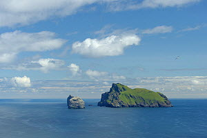 The isles of Boreray, Stac Lee and Stac an Armin in the Saint Kilda archipelago, UNESCO World Heritage Site, Scotland. June 2011. - Chris Gomersall