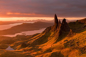 The Old Man of Storr, golden early morning light, the Trotternish peninsula, Isle of Skye, Scotland, UK. November 2017. - Ross Hoddinott