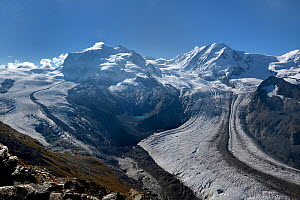 Gorner glacier with Mont Rose and Lyskamm, Swiss Alps, Valais, Switzerland. September 2018.  -  Loic Poidevin
