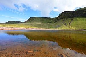 Llyn y Fan Fach and Bannau Sir Gaer, Black Mountain / Mynydd Du, Brecon Beacons National Park, Carmarthenshire, Wales, September 2018. - Will Watson