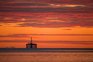 Oil rig sihouetted at dawn. Moray Firth, Scotland, UK. - SCOTLAND: The Big Picture