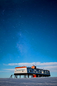 Stars and milky way over Neumayer-Station III, Alfred-Wegener-Institut research station. During full moon. Atka Bay, Antarctica. April 2017.  -  Stefan Christmann